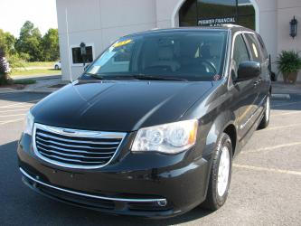 2013 CHRYSLER TOWN  COUNTRY VAN